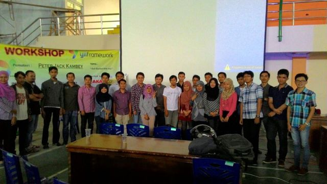 Workshop Yii PHP Framework di Padang